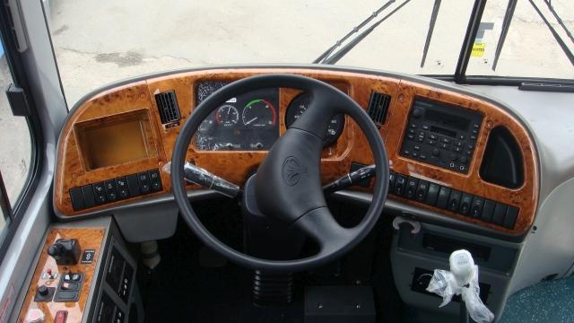 daewoo-avtobus-bh120f-rul